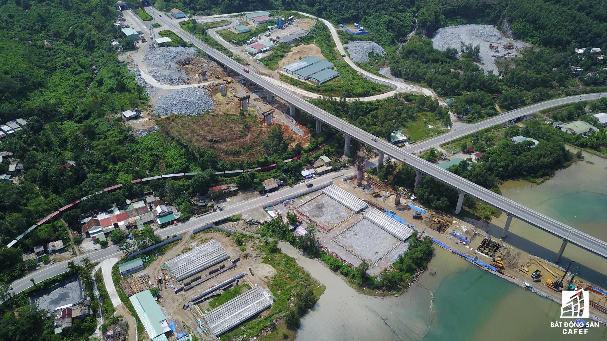 Hạ tầng giao thông kết nối Lăng Cô với các vùng kinh tế miền Trung đang được đầu tư mạnh mẽ