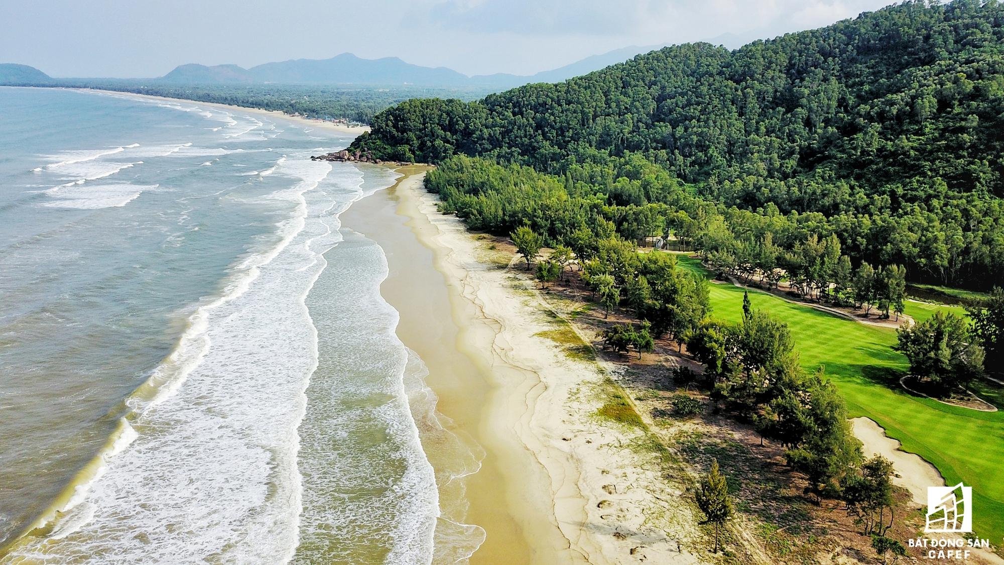 Vùng biển Lăng Cô đang trở thành điểm đến mới của nhiều đại gia địa ốc trong và ngoài nước.