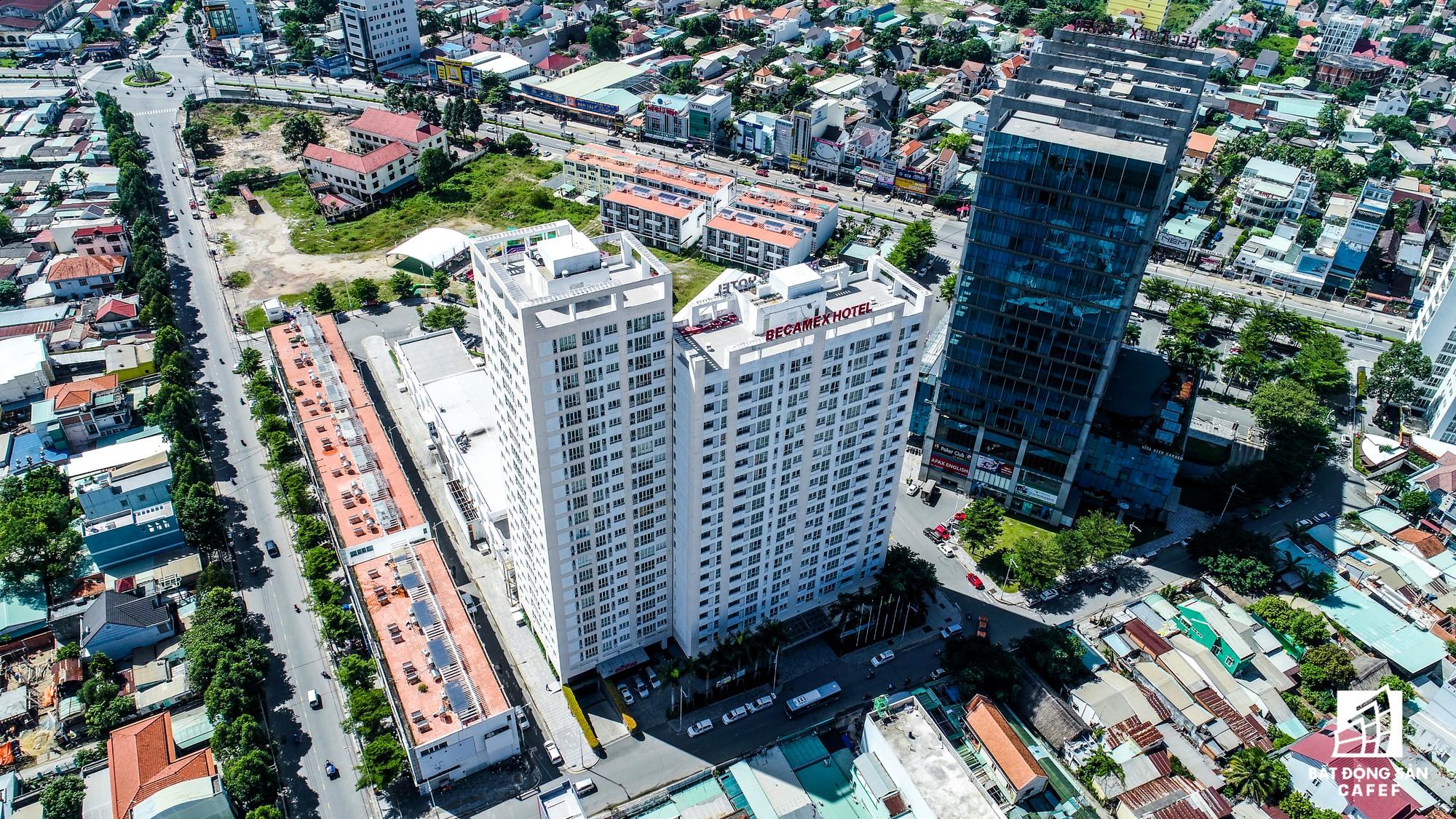 Án ngữ ngay cửa ngõ ra vào TP.HCM, Tổ hợp Becamex City Center có diện tích gần 6ha bao gồm trụ sở hoạt động, khách sạn, văn phòng các công ty con, nhà ở cho chuyên gia...