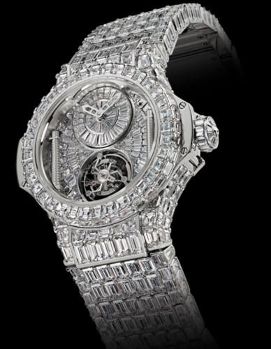 Hublot Big Bang sử dụng 1.282 viên kim cương có tổng trọng lượng hơn 100 carat cùng sáu viên kim cương có trọng lượng mỗi viên hơn 3 carat. Vì vậy giá của nó lên tới 5 triệu USD. Nữ ca sĩ Beyonce Knowles đã mua chiếc đồng hồ để tặng sinh nhật lần thứ 43 của chồng - nam ca sĩ Jay-Z.