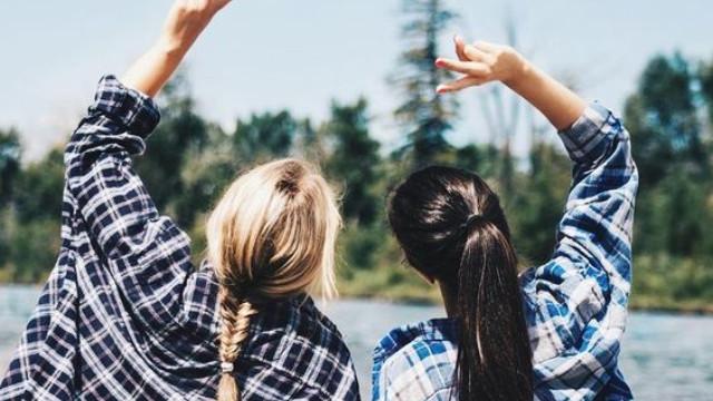 Những người bạn ảo sẽ ít khi sẵn sàng bên bạn lúc khó khăn.