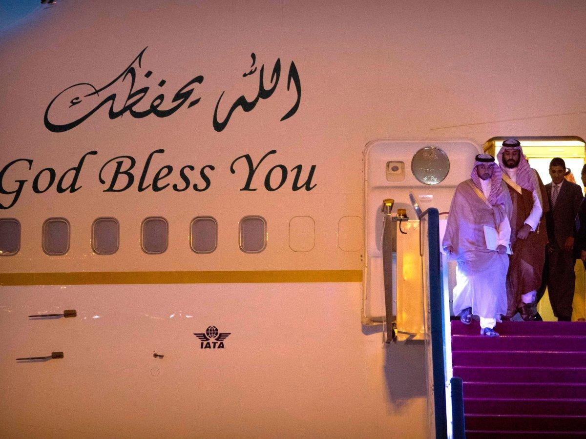 Về đối nội, Hoàng tử Salman thường xuyên nói về cải thiện hệ thống y tế, giáo dục và nhà cửa của đất nước đồng thời tuyên bố sẽ thay thế những nhà lãnh đạo cũ bằng những người trẻ, từng được đào tạo ở phương Tây. Ảnh: BBC