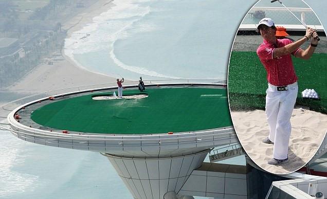Sân golf cao nhất thế giới, nằm trên nóc khách sạn Burj al Arab với độ cao 300m.