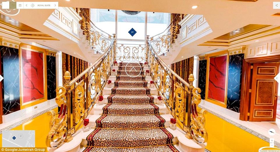 Lối đi dẫn đến khu vực khách siêu VIP Royal Suite rộng 780m2.