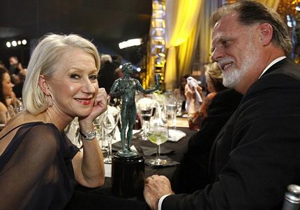 Helen Mirren và chồng kết hôn từ năm 1997 và tới nay họ vẫn sống hạnh phúc.
