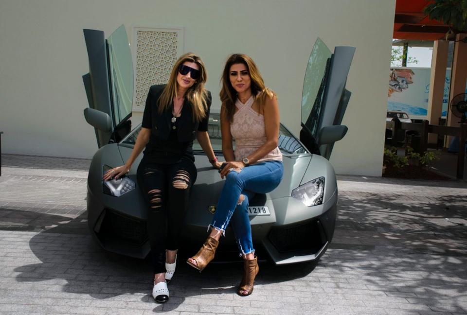 Arabian Gazelles - Câu lạc bộ siêu xe dành riêng cho các quý cô giàu có: Sở hữu và điều khiển một siêu xe sẽ đánh thức mọi giác quan của bạn