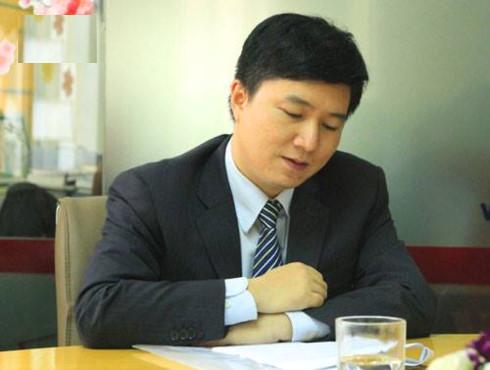 Tiến sĩ, bác sĩ Đỗ Tấn, trưởng khoa Glôcôm, bệnh viên Mắt TƯ.