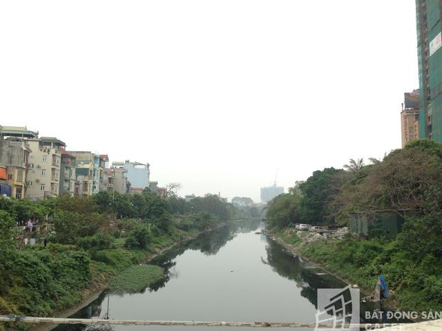Sông Nhuệ đoạn chảy qua dự án.