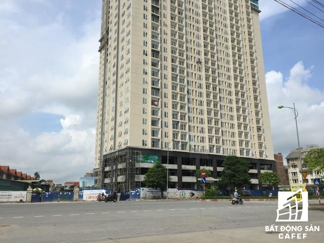 Dù đã qua thời điểm bàn giao căn hộ nhưng dự án vẫn chưa thể được đưa vào sử dụng.