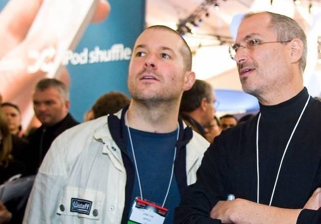 Jony Ive và Steve Jobs.
