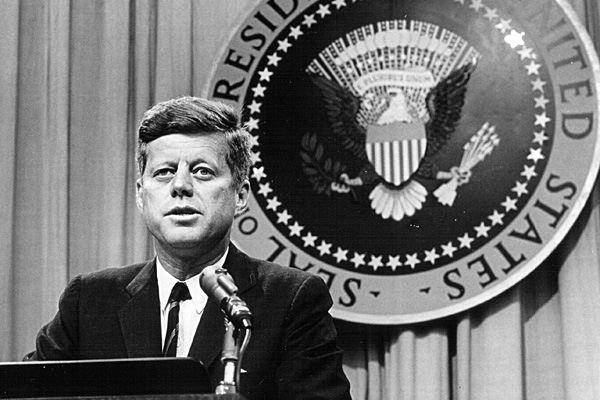 Tổng thống John F. Kennedy
