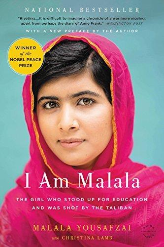 """Năm 2013, Malala xuất bản cuốn hồi ký có tiêu đề """"Tôi là Malala""""."""