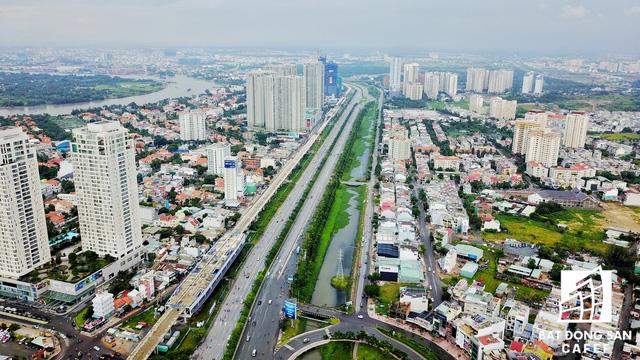 Khu vực quận 2 có nhà ga lớn nhất trong toàn tuyến từ Thủ Đức đến cầu Sài Gòn, cũng là nơi tràn ngập dự án cao tầng.