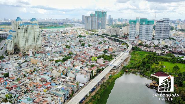 Đoạn tuyến metro đâm xuyên các khu dân cư tại quận Bình Thạnh.
