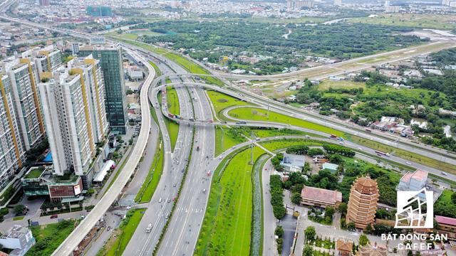 Khu vực có thị trường BĐS sôi động nhất TP.HCM nhờ bám theo tuyến metro số 1. Đoạn kết nối vào đại lộ Mai Chí Thọ, cảng Cát Lái và hầm chui sông Sài Gòn.