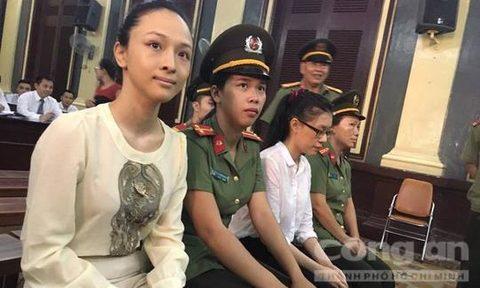 Trương Hồ Phương Nga tại toà.