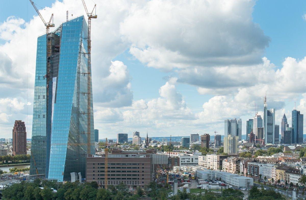 Tòa nhà ECB, trụ sở của Ngân hàng Trung ương châu Âu, nằm tại Frankfurt, Đức có giá 1,25 tỷ USD. Công trình này được xây dựng năm 2013.