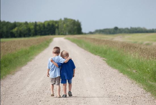 Bạn thân nhất luôn ở bên khi ta cần.