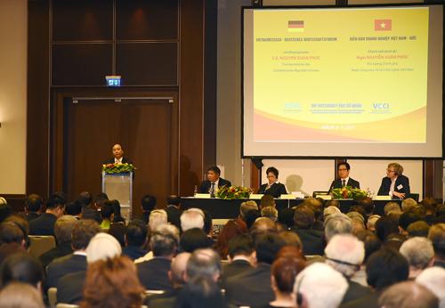 Diễn đàn có sự tham dự của khoảng 600 doanh nghiệp Đức và trên 100 doanh nghiệp Việt Nam. Ảnh: VGP