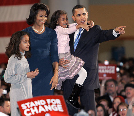 Gia đình Obama trong chiến dịch chạy đua vào Nhà Trắng năm 2008.