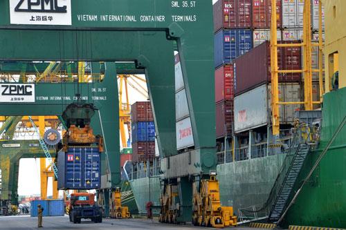 Số lượng hàng xuất khẩu tăng chủ yếu dựa vào doanh nghiệp FDIẢnh: TẤN THẠNH