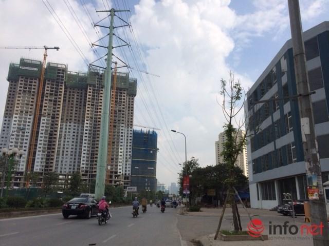 Không gian Hà Nội ngày càng bị bóp nghẹt, dân số tăng chóng mặt, đường phố thì tắc nghẽn… bởi cao ốc mọc mỗi ngày một nhiều. Ảnh: Minh Thư