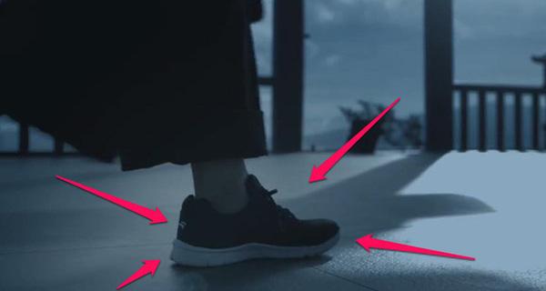 Bitis Hunter xuất hiện trong clip ca nhạc đang gây sốt của Sơn Tùng M-TP Lạc trôi.