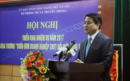 Chủ tịch UBND TP Hà Nội Nguyễn Đức Chung phát biểu tại Hội nghị tổng kết của Sở Thông tin và Truyền thông Hà Nội