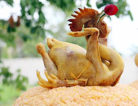 Gà để chọn cúng giao thừa phải là gà trống choai