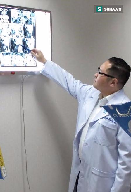 TS.BS Nguyễn Hoàng Đức đang chia sẻ về bệnh của chị T.
