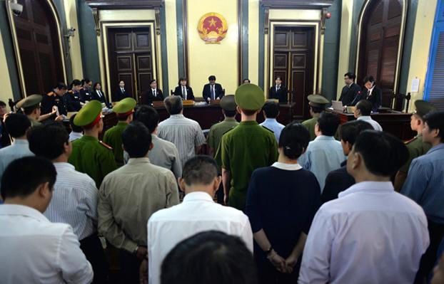 Quang cảnh phiên toà xét xử đại án kinh tế thất thoát hơn 9.000 tỷ đồng tại VNCB. (Ảnh: Dân trí)