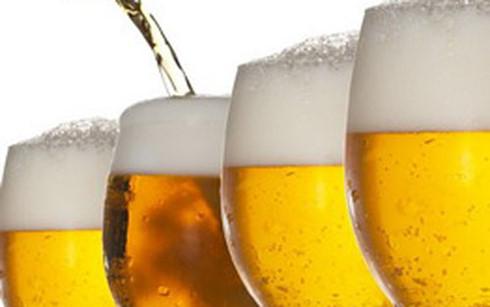 Nếu đạt được mục tiêu tăng trưởng 10% của năm 2017, dự kiến tổng lượng bia sản xuất đạt mức xấp xỉ 4 tỉ lít trong năm nay (Ảnh minh họa: KT)