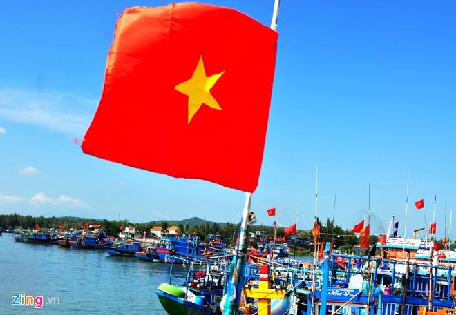 Ngu dan Quang Ngai trung dam ca nuc suong dau nam hinh anh 1