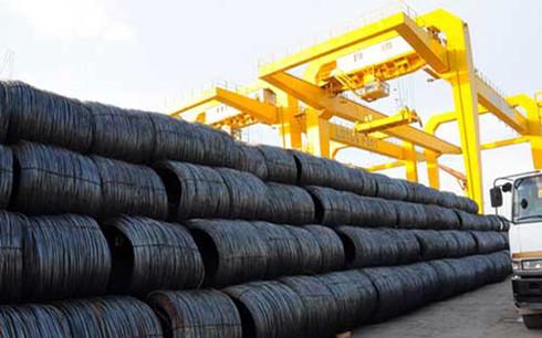 Ngành thép đang phải cạnh trạnh gay gắt với nhiều sản phẩm nhập khẩu từ Trung Quốc. (Ảnh minh họa: KT)