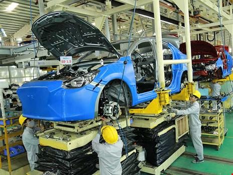 Dây chuyền lắp ráp ô tô tại Công ty Trường Hải. Ảnh: QH