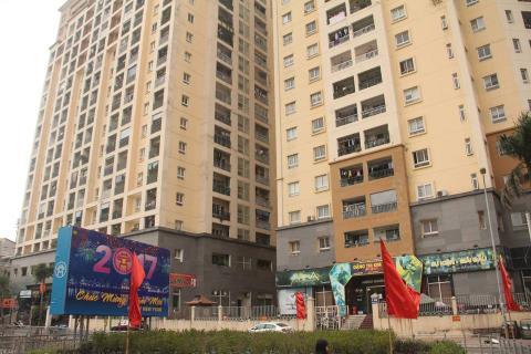 Tầng trệt Cụm chung cư 229 Phố Vọng đang được cho thuê.