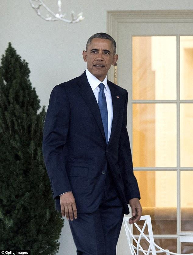 Đã xưa rồi những bộ vest truyền thống thường thấy của ông Obama.
