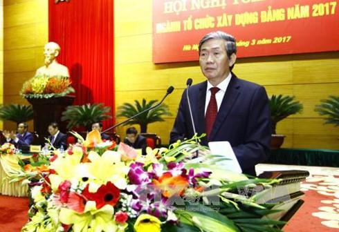 Ủy viên Bộ Chính trị, Thường trực Ban Bí thư Đinh Thế Huynh phát biểu chỉ đạo Hội nghị toàn quốc ngành Tổ chức xây dựng Đảng năm 2017.