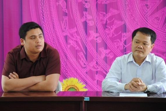 Ông Nguyễn Văn Thao, GĐ Cty CP Xuất nhập khẩu Kim Sơn cam kết sẽ thu mua toàn bộ diện tích dứa thối của người dân