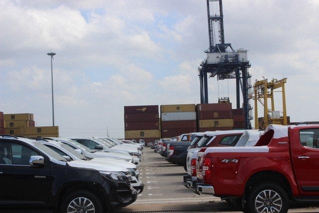 Ô tô nhập giảm giá trăm triệu, lượng nhập tiếp tục tăng mạnh