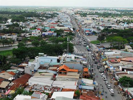 Huyện Bình Chánh, TP.HCM có hơn 3.000 ha đất được quy hoạch đất dân cư xây dựng mới làm người dân lẫn chính quyền gặp khó trong việc chuyển mục đích, tách thửa, cấp phép xây dựng…Ảnh: HTD