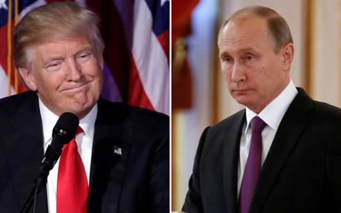 Tổng thống Mỹ Donald Trump và Tổng thống Nga Vladimir Putin. (Ảnh: lobelog)
