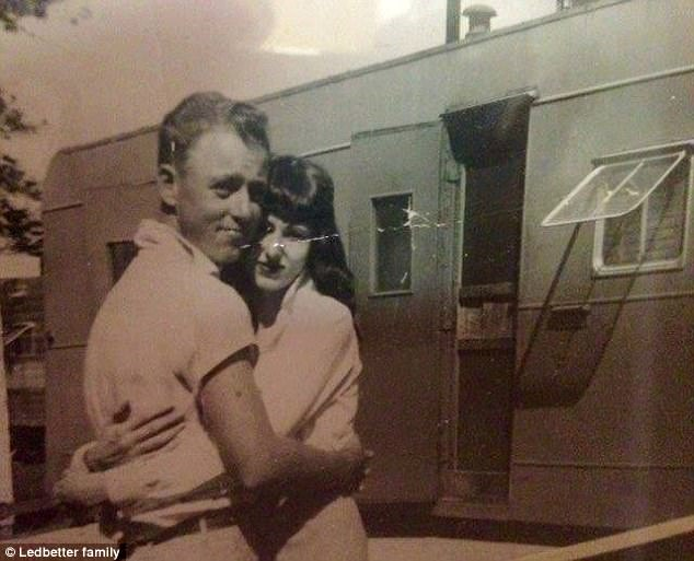 Ông bà Tom và Delma khi còn trẻ