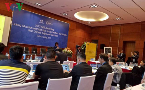 Bà Lê Thị Hoàng Yến - đại diện đoàn Việt Nam phát biểu tại Hội thảo