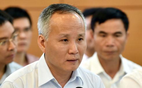 Thứ trưởng Bộ Công Thương Trần Quốc Khánh đề xuất nên có các công ty chuyên môn làm thủ tục về an toàn thực phẩm, giúp rút ngắn thời gian, công sức và chi phí cho doanh nghiệp. (Ảnh: VGP)