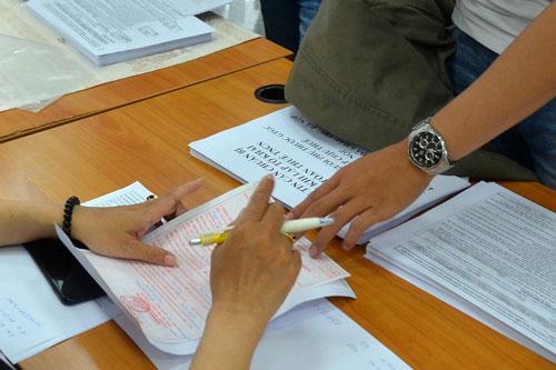 Theo Oxfam, các nước đang phát triển, trong đó có Việt Nam, mỗi năm thất thu đến 100 tỉ USD hoạt động tránh né thuế. Ảnh: TẤN THẠNH
