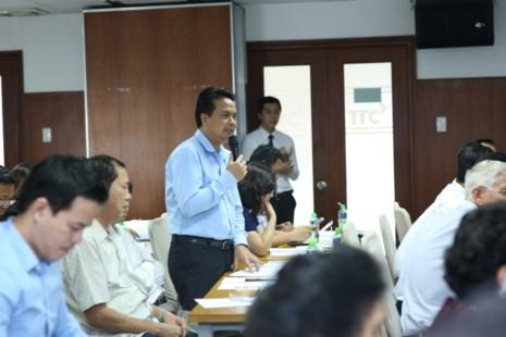 Doanh nghiệp mía đường trong nước cho biết gặp nhiều khó khăn vì đường lậu Thái Lan tại Hội nghị giải pháp tiêu thụ ngành đường tổ chức chiều 24-5.
