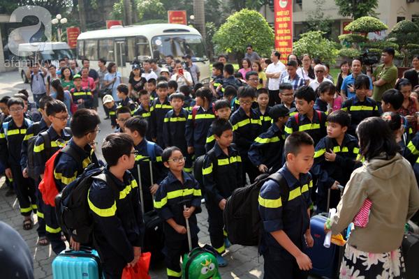 Ngày 28/5 tại khuôn viên trường ĐH Phòng cháy chữa cháy Hà Nội đã diễn ra lễ xuất quân Trại hè lính cứu hỏa. Đợt xuất quân lần này có 87 học viên có độ tuổi từ 7-15 tuổi bao gồm cả nam lẫn nữ.