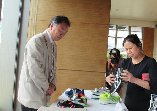 Một thương hiệu giày của Nhật Bản chính thức có mặt tại thị trường Việt Nam tháng 3-2017 hướng dẫn phân biệt hàng thật - hàng giả