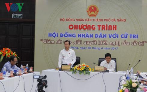 Ông Nguyễn Xuân Anh, Bí thư Thành ủy, Chủ tịch HĐND thành phố Đà Nẵng phát biểu tại chương trình HĐND với cử tri